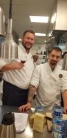 Glada kockar Rasmus med gästen Henrik